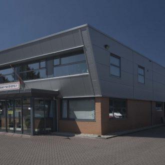 Bedrijfsgebouw te Benthuizen