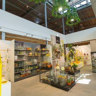 Showroom, Kantine en Kantoor te Reeuwijk